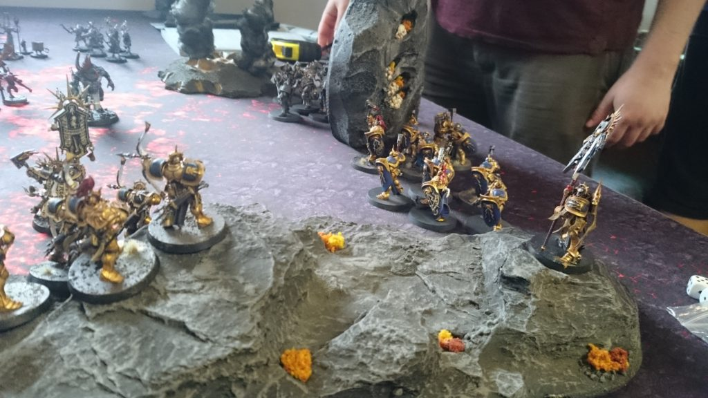 A massive unit of Retributors lead by a Knight-Heraldor rushes to the aid of the surviving Stormcast, joined by two units of Liberators and a Knight-Vexillor.
